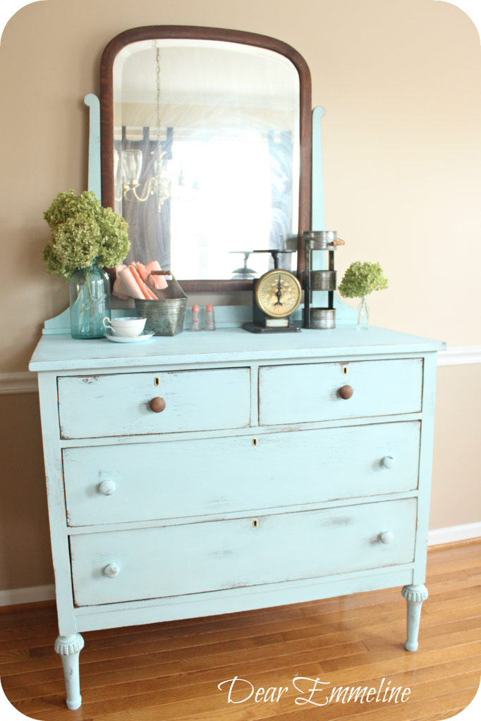 Old pickup blue dresser another diy chalky paint finish for Bedroom bureau knobs
