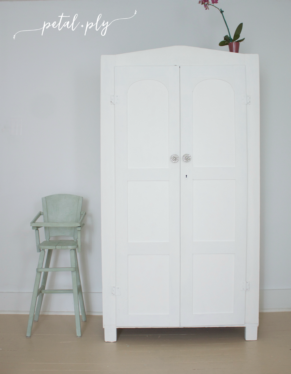 wm-vintage-armoire-DIY-paint-trim