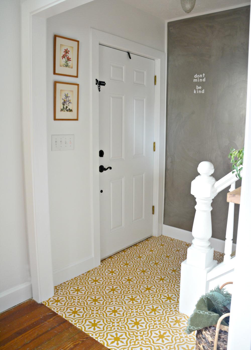 farmhouse-foyer