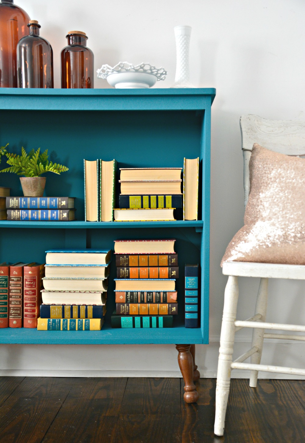 teal-painted-bookshelf-diy