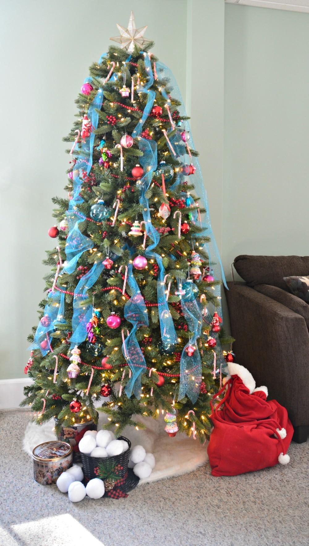 feminine-christmas-tree