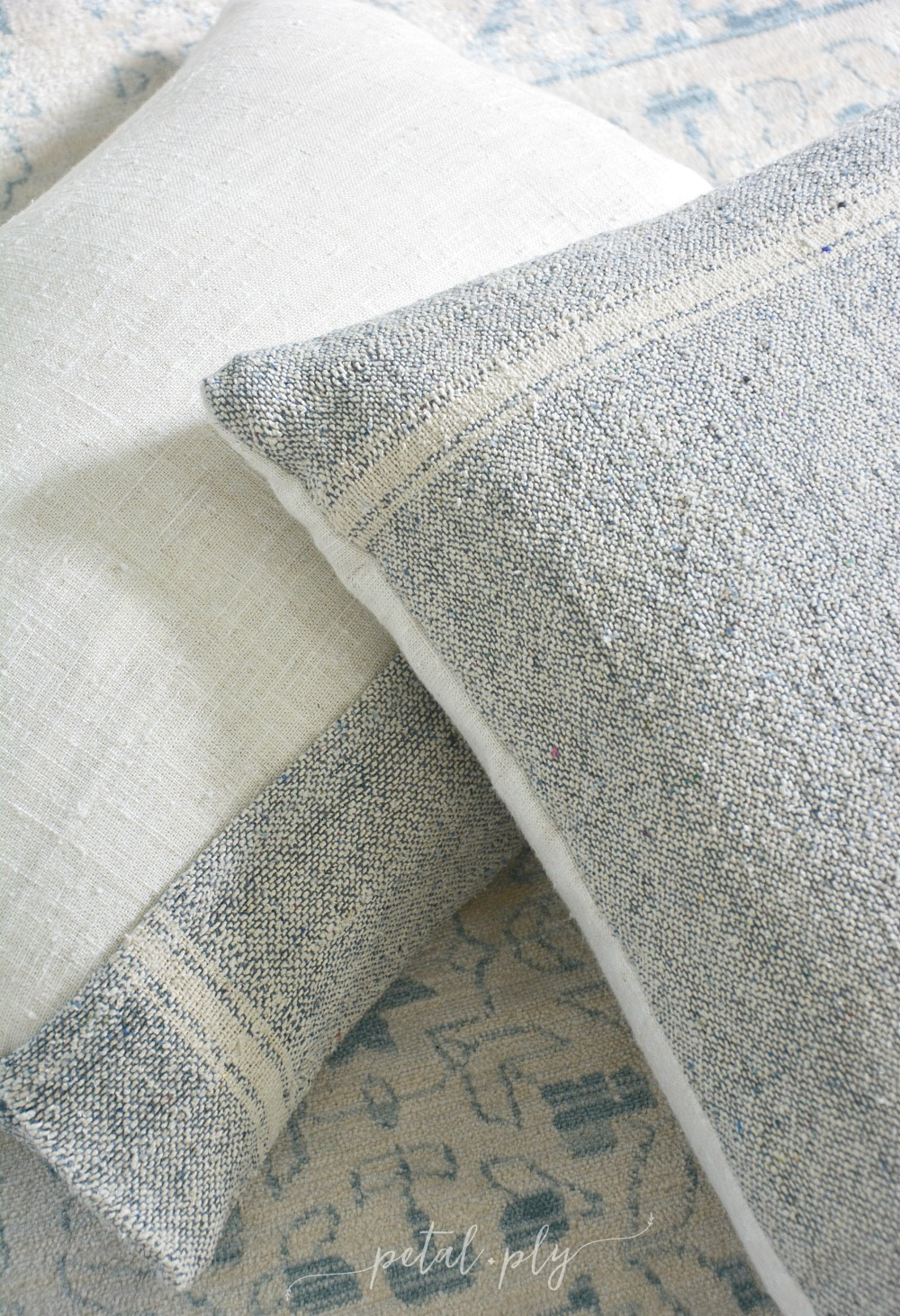 DIY-nubby-napkin-and-linen-curtain-pillow-covers