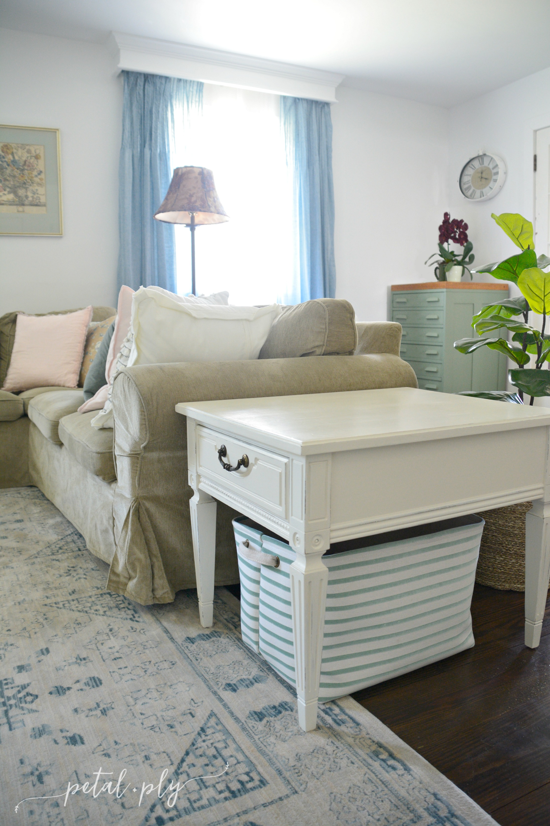 wm-end-table-with-striped-basket