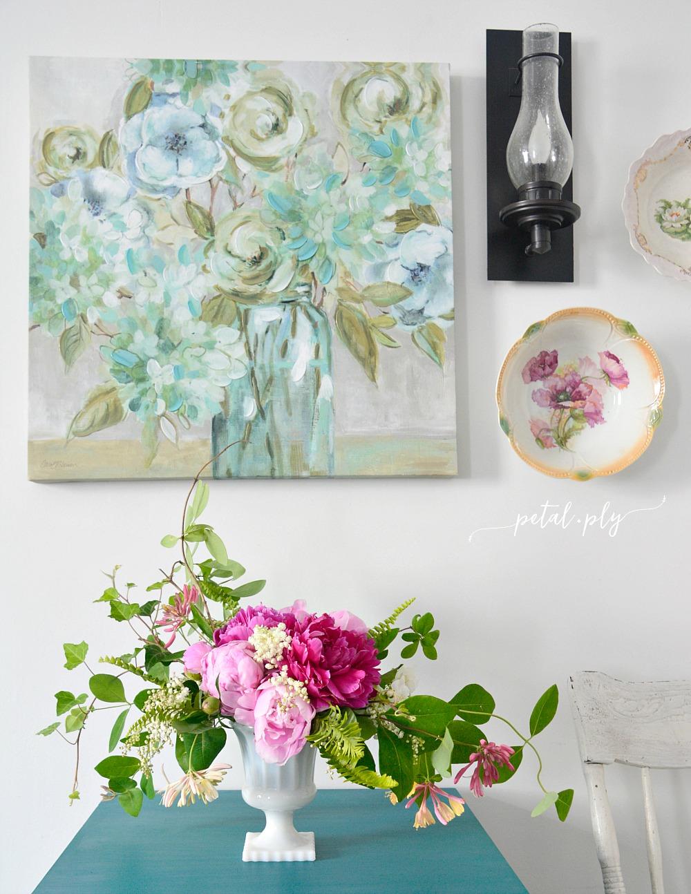 wm-asymmetrical-floral-arrangement