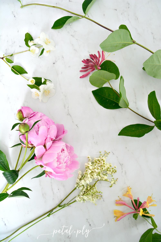 wm-flowers-on-marble