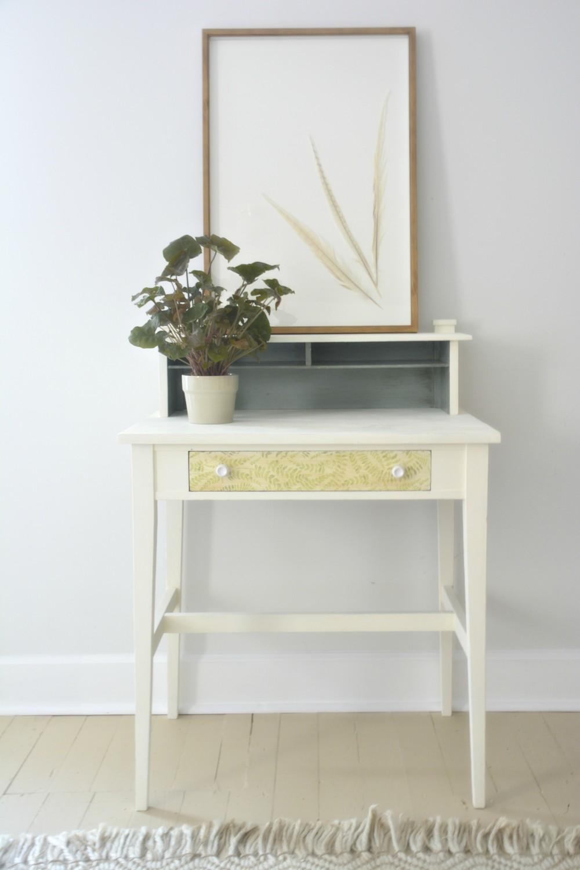 Polycrylic Napkin Decoupage Desk Makeover   One Room