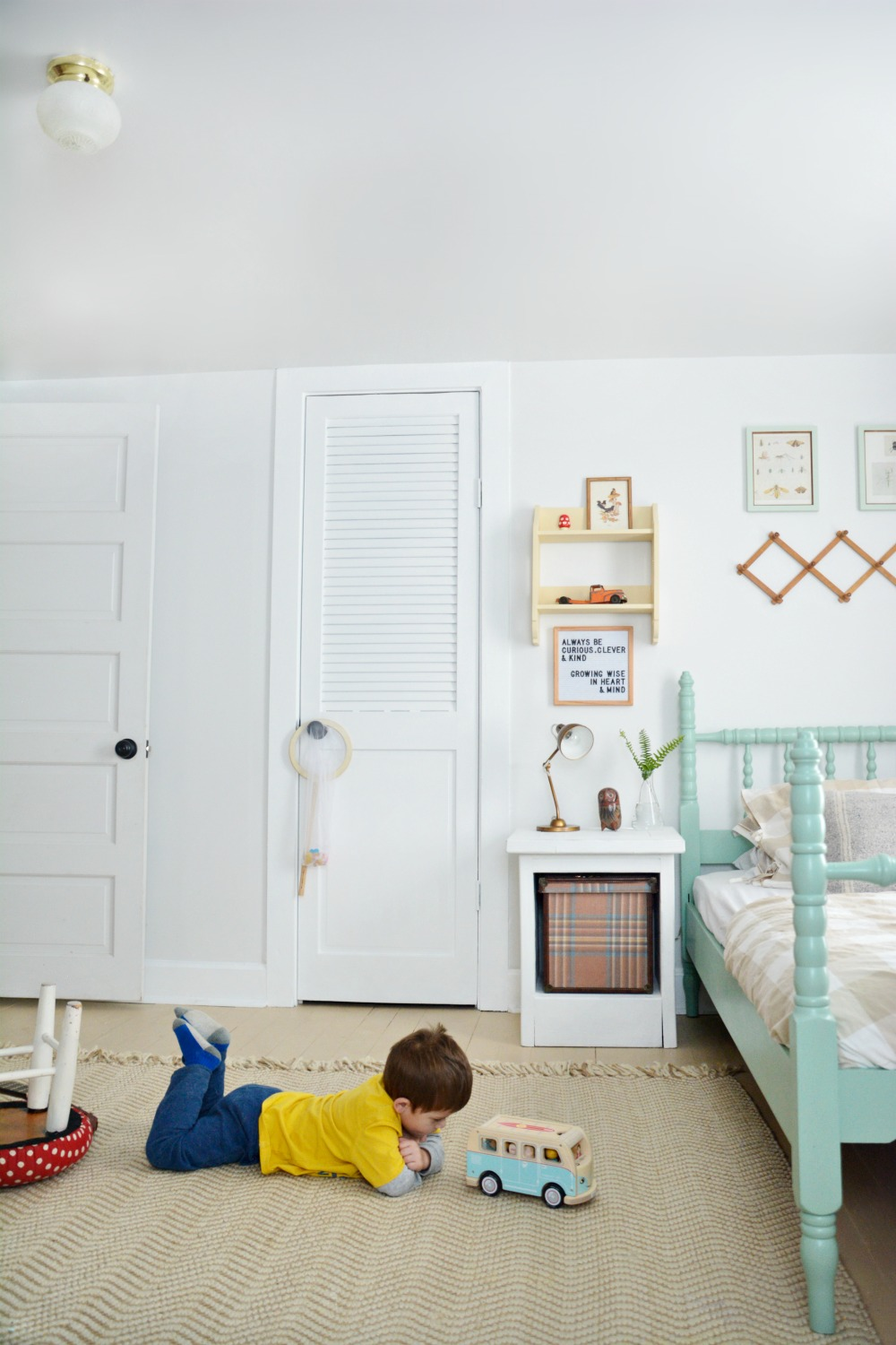 O-playing-in-boy-bedroom