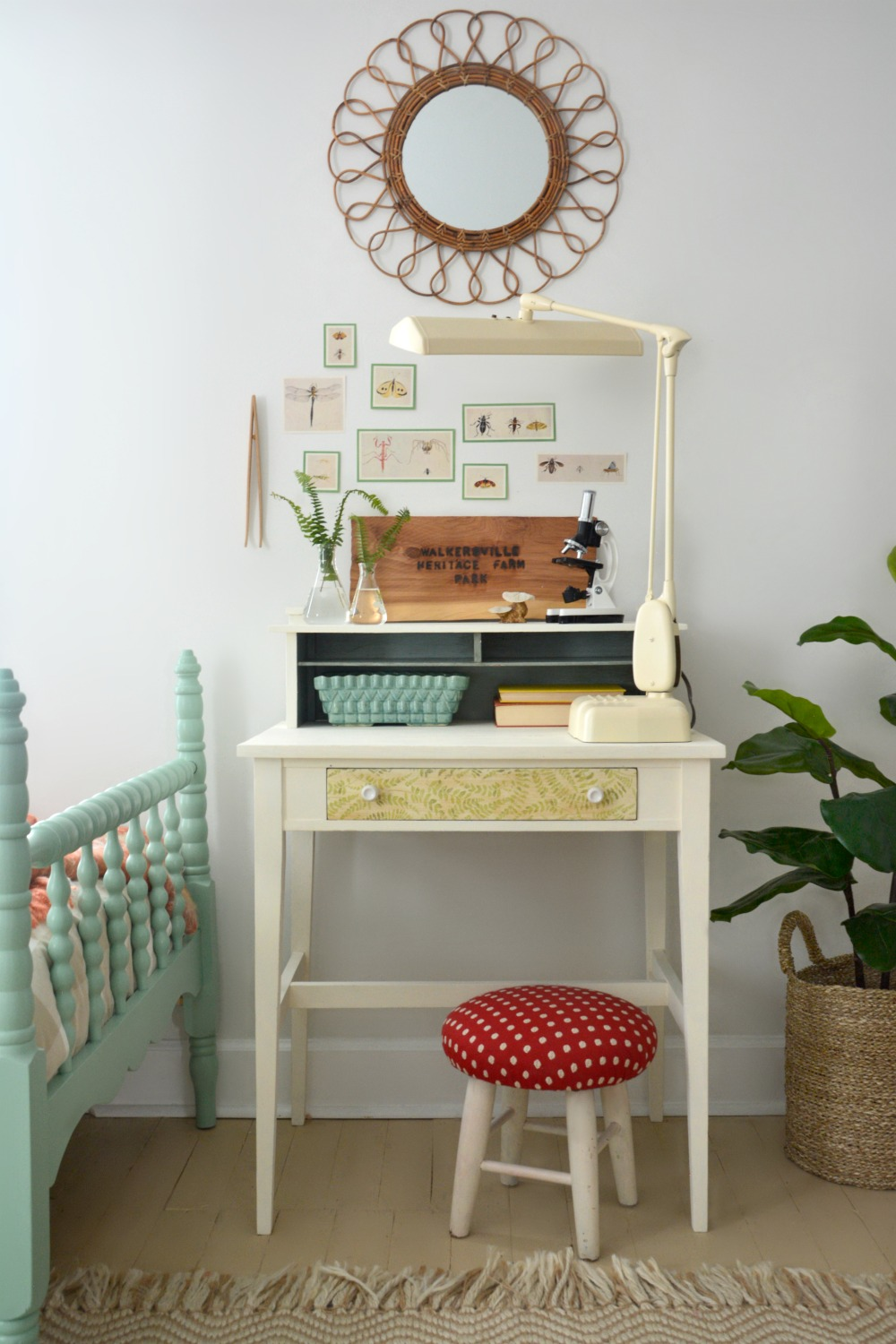 napkin-decoupage-fern-cream-desk